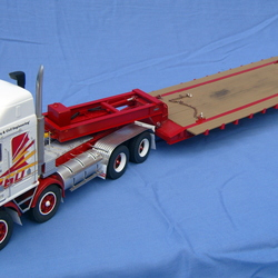 Four axle low loader