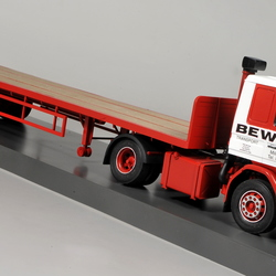 Tandem axle flatbed