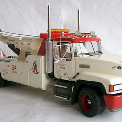 Mack Wrecker Giant Tpt